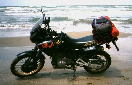ホンダ NX650 DOMINATOR (ドミネーター)
