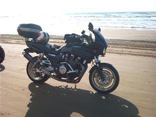 ヤマハ XJR1200R