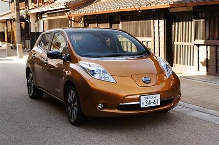 新型リーフで横浜から名古屋へロングドライブ。片道350kmの充電回数は?