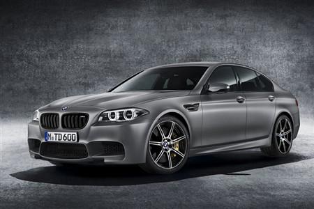 BMW M5に誕生30周年を記念した限定車