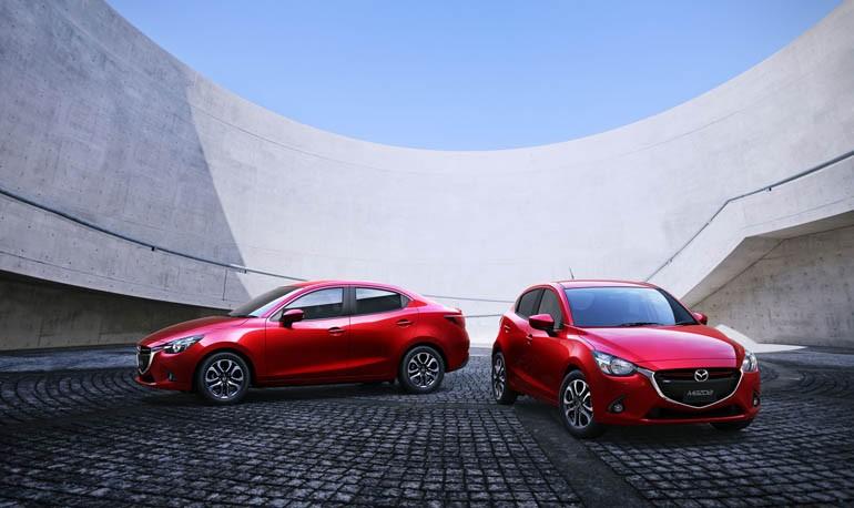 マツダ、タイ国際モーターエキスポで新型Mazda2セダンを世界初公開