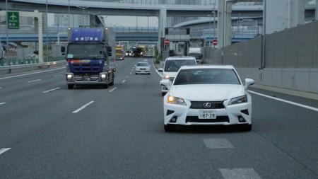 トヨタ 首都高を走る自動運転車を公開