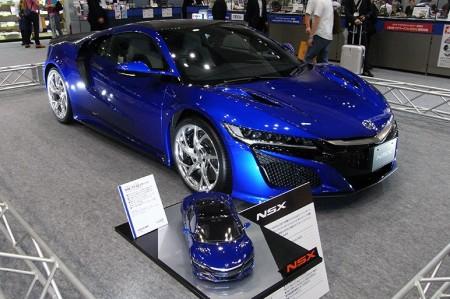 実車と模型の「NSX」が競演。タミヤ、電動RCカーとプラスチックモデルを出展