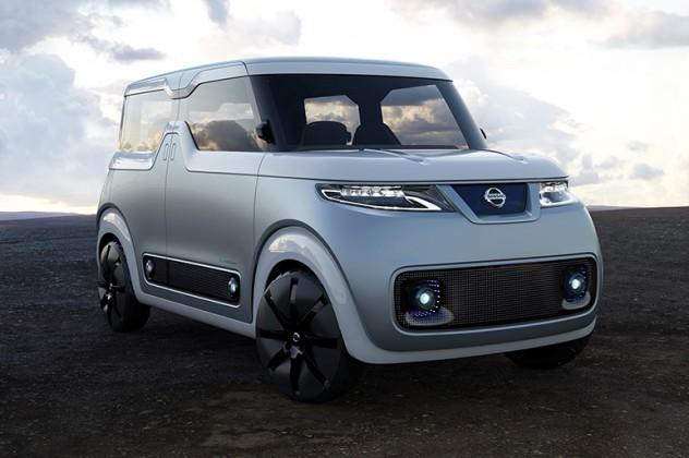日産、新提案の軽EVや改良版リーフなどを公開