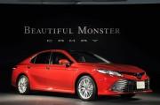 トヨタ 新型カムリを発売。燃費は33.4km/Lを達成、大胆デザインにも注目