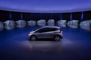 電気かエンジンかという二元論に惑わされず、自動車の未来を語れ