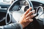 高齢ドライバーに多いのは対人ではなく単独事故。データーに基づいた分析や報道が望まれる