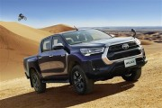 ハイラックスが最新のトヨタ顔に刷新。15%燃費が向上した改良ディーゼルも搭載