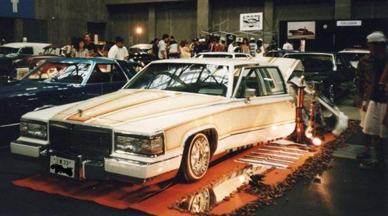 GM キャデラック