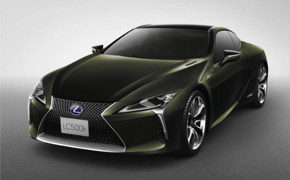 """500""""ヒデキ マツヤマ エディション""""(特別仕様車)※写真はハイブリッド車です。"""