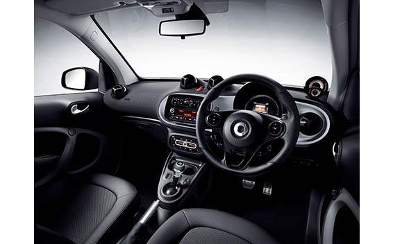 スマート フォーツー ブラックシルバーエディション(特別仕様車)