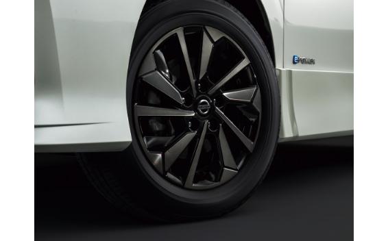 eパワー ハイウェイスターV アーバンクロム(特別仕様車)