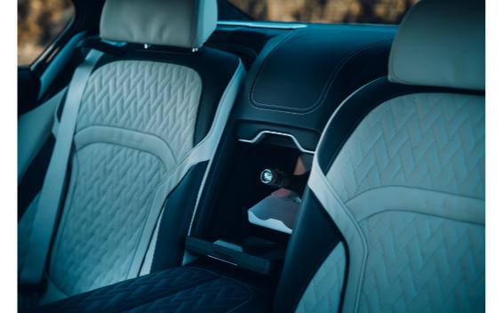 750Li xドライブ ピュアメタルエディション(特別仕様車)