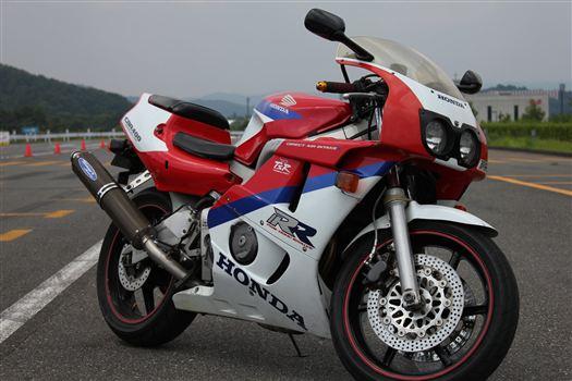 ホンダ CBR400RR