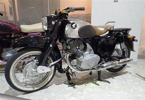ホンダ ドリームC72