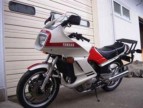 ヤマハ XZ400D