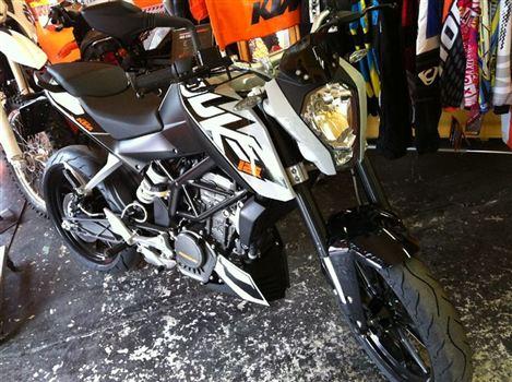KTM DUKE125