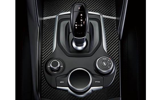 ジュリア 2.9 V6 ビターボ クアドリフォリオ