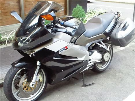 アプリリア RST1000  FUTURA (フューチュラ)