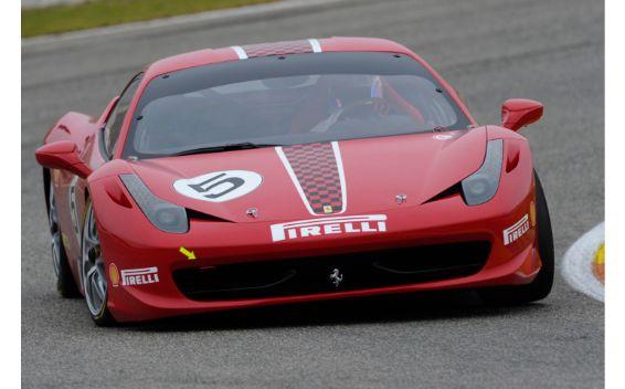 フェラーリ 458チャレンジ