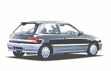 専用のルーフエンドスポイラーとバックドアガーニッシュを装着した、スポーティーな「R-Limited」。 可倒式リヤシートで長い荷物も積めるラゲッジルームは、容量たっぷり。