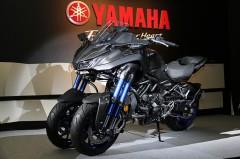 ヤマハの新型フロント2輪、ナイケンは転ばないバイクではありません