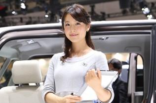 ダイハツ美人(東京モーターショー2015)