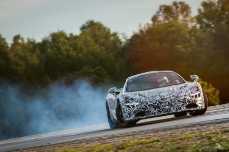 新型マクラーレン 0‐200km/h加速7.8秒