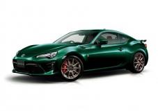86にグリーンカラーの特別車、オプションの「ハイパフォーマンスパッケージ」は付けるべきか?