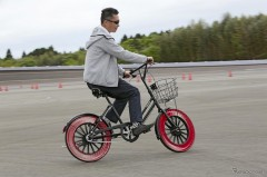 「空気いらず」の自転車用次世代タイヤに初試乗