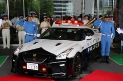 日産、R35 GT-Rのパトカーを栃木県警に納入