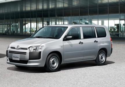 街中でよく見かけるトヨタ プロボックス、商用車としてどう優れているの?