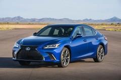 SUVが絶好調のトヨタ北米セールス、日本導入直前のレクサス ESは?