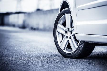 タイヤ前線に異常 ドイツ車ですらウェット性能が怪しい?