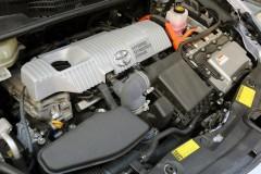 汚れたエンジンルームを掃除する方法とは?
