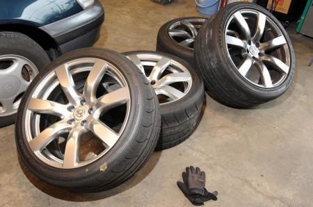 タイヤ交換は4本まとめて行ったほうがいい?