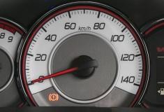 軽140km/h・普通車は180km/hのリミッター速度はどう決められたのか