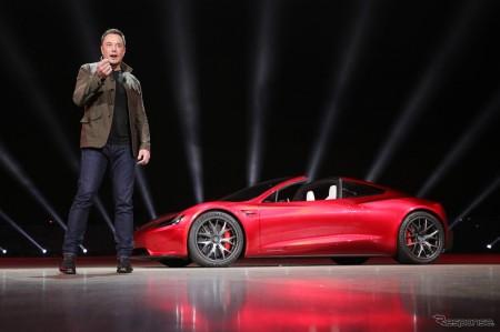 テスラ ロードスター新型発表 0-96km/h加速1.9秒