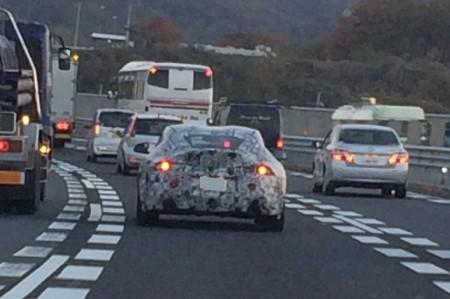 謎のスポーツカーを発見 もしや次期スープラか!?