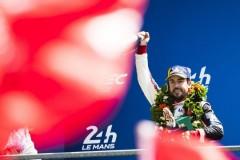アロンソ、ル・マンで「生涯で最も重要な勝利」を挙げ、トリプルクラウンに一歩前進