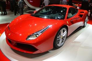 【フェラーリ 488 GTB】458イタリアの後継モデルとなる最新V8ミドシップ