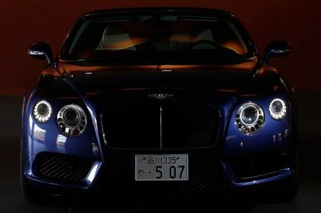 コンチネンタルGTC V8 ベントレーの美しき世界